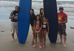 Surfista salva crianças durante campeonato na Ilha do Mel